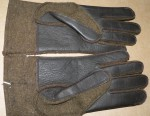 ww2 Australian Pilots wool and leather gloves. Click for more information...
