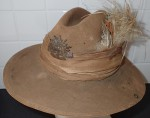 WW1 Australian Light horse slouch hat. Click for more information...
